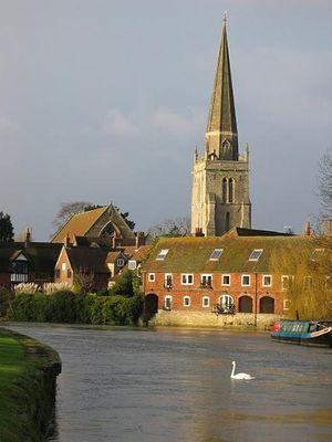 Церковь святой Елены в Абингдоне и река Темза