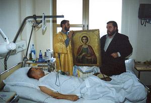 Икона св. вмч. Пантелеимона в отделении госпиталя
