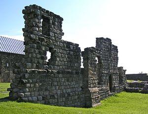 Загрузить увеличенное изображение. 500 x 386 px. Размер файла 74769 b.  Руины монастыря святого Павла в Ярроу
