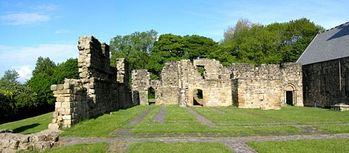 Загрузить увеличенное изображение. 500 x 219 px. Размер файла 54352 b.  Руины монастыря святого Павла в Ярроу