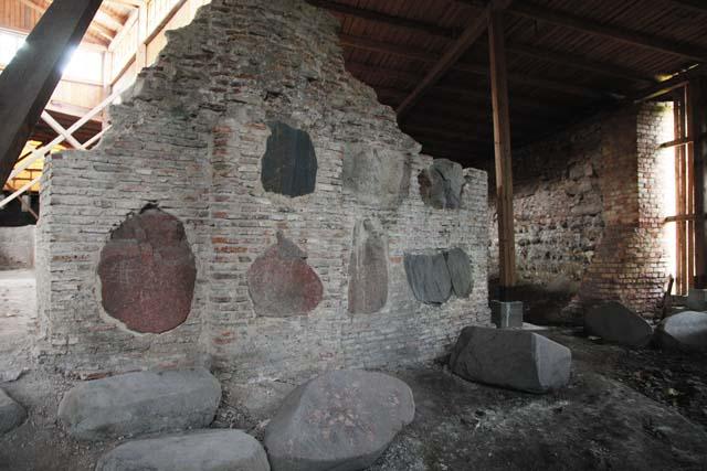 Гродно, Старый замок. Руины нижней церкви XIV–XV веков