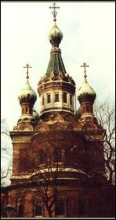 Свято-Никольский собор Русской Православной Церквив Вене. Построен в 1899 году