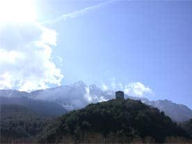 Гора Афон высится над всем полуостровом