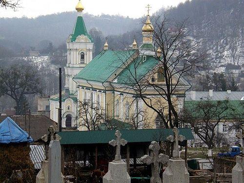Загрузить увеличенное изображение. 600 x 450 px. Размер файла 91575 b.  Кременецкий монастырь,общий вид