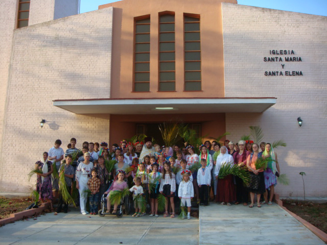 После литургии в католическом храме с детьми-украинцами