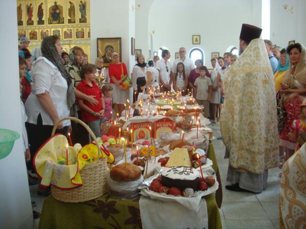 Освящение куличей на Пасху в Казанском храме