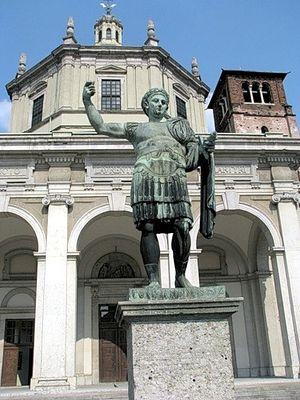 Загрузить увеличенное изображение. 375 x 500 px. Размер файла 67863 b.  Памятник императору Константину в Милане