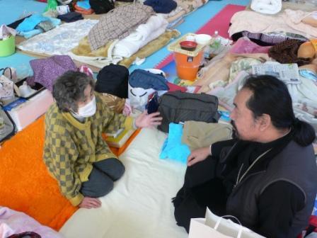 Кэсэннума. Епископ Серафим посетил прихожанку Ирину Тиба (Irina Chiba) в эвакуационном пункте