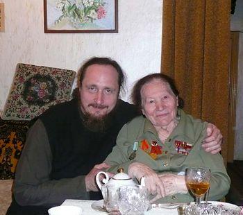 WWII veteran Marya Stepanovna Khrestina, with Hieromonk Paul (Scherbachev)