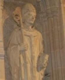 Статуя святителя Иуста в Рочестерском соборе