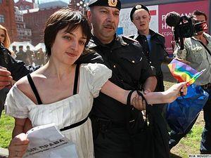 Костюченко пропагандирует