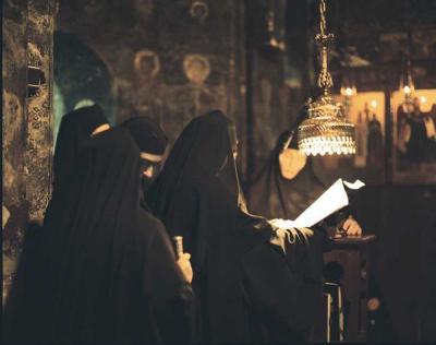 На службе в монастыре святого Георгия Караискаки