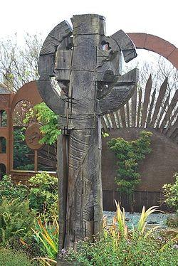 Кельтский крест на острове Линдисфарн