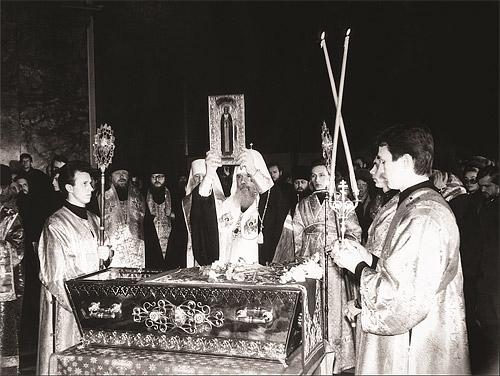 Обретение мощей прп. Серафима Саровского в Казанском соборе. 11 января 1991 г.