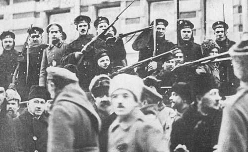 Участники штурма Зимнего