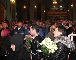 Еще в Волгограде: чтобы встретить святыню в храме, эти люди встали в очередь за сутки. Фото: Екатерина Симохина для KP.RU