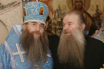 Епископ Саратовский и Вольский Лонгин и архимандрит Матфей (Мормыль), 2005 г.