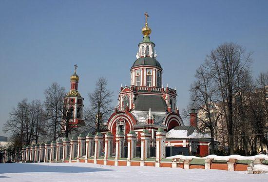 Загрузить увеличенное изображение. 750 x 509 px. Размер файла 106185 b.  Храм Иоанна Воина на Якиманке. Фото: sobory.ru