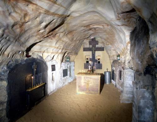 В пещерах Псково-Печерского монастыря