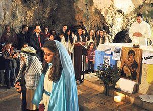 Празднование Рождества Христова в церкви святого Петра в Хатае. Фото: AA.