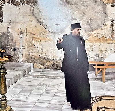 Иерей Стево Митрич, священник церкви свт. Николая в Приштине. Фото А.Василевич