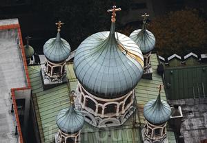 Загрузить увеличенное изображение. 600 x 415 px. Размер файла 242832 b.  Собор Святого Николая, Верхний Ист-Сайд, Манхэттен, Нью-Йорк