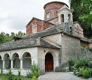 Загрузить увеличенное изображение. 1174 x 1023 px. Размер файла 399289 b.  Албания. Храм 11 века.