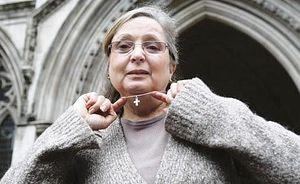 Надя Эвейда, которую отстранили от работы в British Airways за отказ не носить нательный крест, намерена добиться справедливости