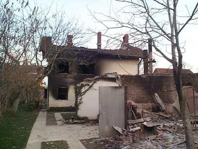 Сожженный сербский дом в Липляне