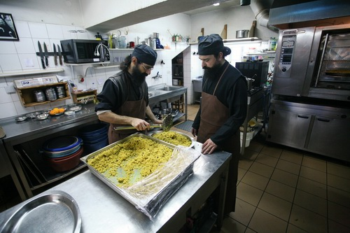 На монастырской кухне