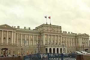 Принятый Заксобранием Санкт-Петербурга административный запрет пропаганды гомосексуализма и педофилии 17 марта вступил в силу