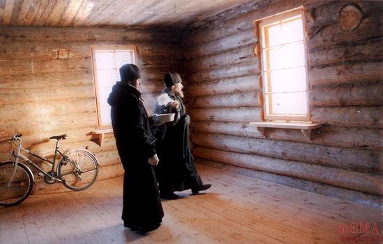 Окропление нового дома на хоздворе скита в праздник Крещения