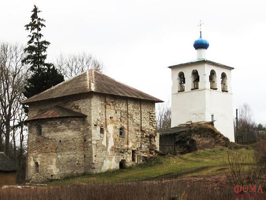 Храм и колокольня Спасо-Онуфриева скита