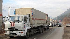 В ноябре 2011 года российский гуманитарный конвой был заблокирован на границе Сербии и края Косовоиз-за отказа от навязываемого EULEX сопровождения колонны. Фото: РИА Новости/Николай Соколов
