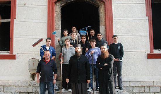 Учащиеся и преподаватели Призренской семинарии. Осень 2011 г.