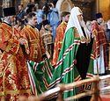 В дни празднования 5-летия воссоединения Русской Церкви Святейший Патриарх Кирилл возглавил служение Божественной литургии в Храме Христа Спасителя