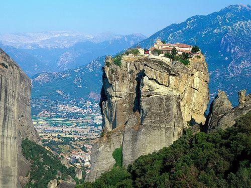 Монастырь на скалах Метеоры