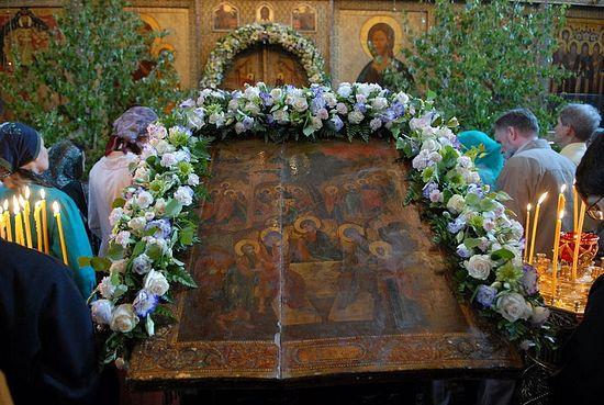 Pentacost Sunday in Sretensky Monastery, 2010. Photo: Anton Pospelov.