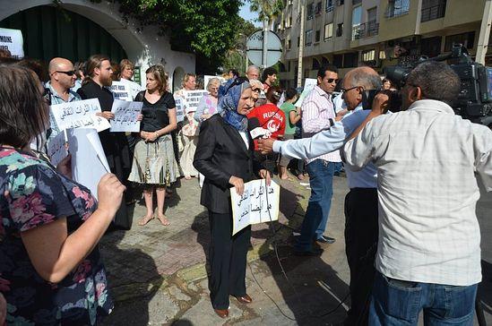 Мусульмане протестуют вместе с христианами