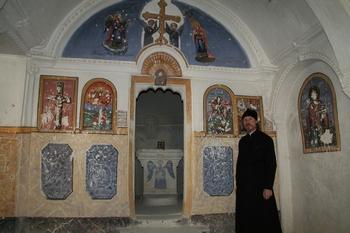 /Архиепископ Егорьевский Марк в храме святителя Василия Великого в Синасосе