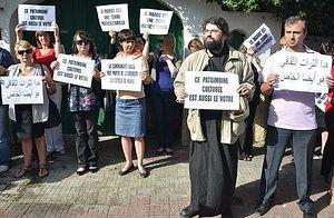 Демонстрация против сноса храма в Касабланке. 4 июня 2012