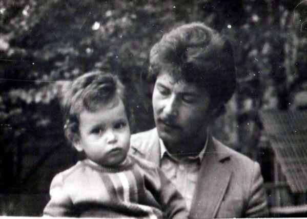 Арсений с отцом. Фото из архива автора.