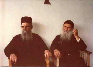 1986 год. Новый скит. Отец Иосиф со своим духовным братом Харалампием Дионисиатским