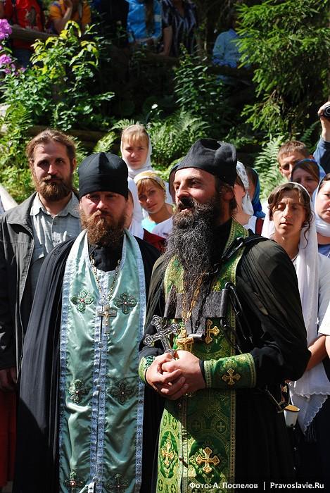 Игумен Иоанн и иеромонах Сергий. Фото: Антон Поспелов / Православие.Ru