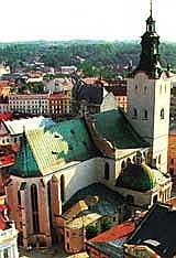 Кафедральный костел во Львове (построен в XIV в. на месте православной церкви)