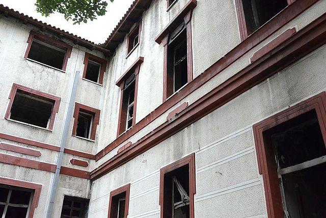 Пострадавшие здания семинарии