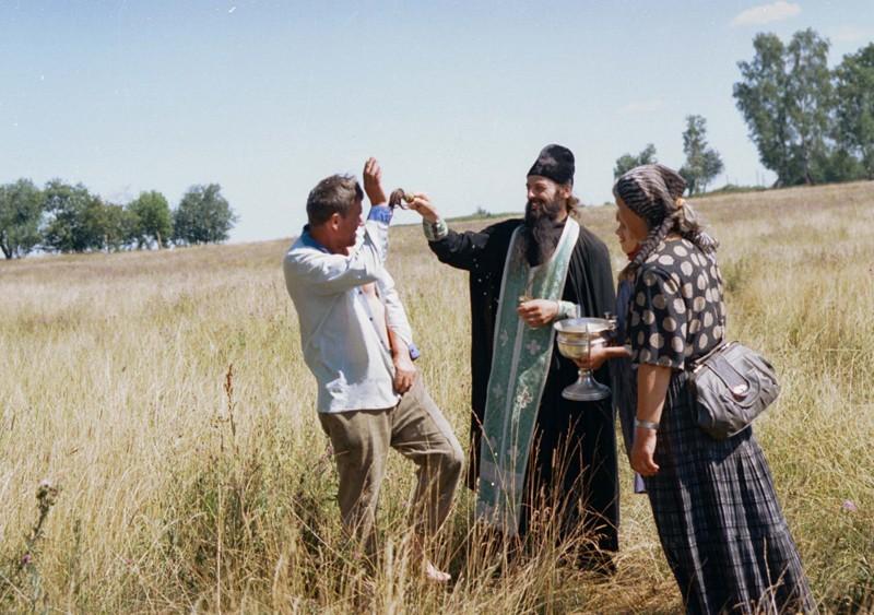 Иринарховский крестный ход. 1999 г. Фото: Геннадий Михеев