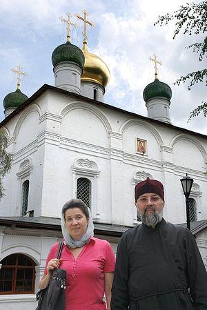 Протоиерей Павел Недосекин с матушкой Анной в Сретенском монастыре. Фото: А.Поспелов /<a class=