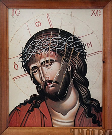 Оскверненная икона Христа из Иоанно-Предтеченского храма г. Мозырь. 26 июня 2012 года