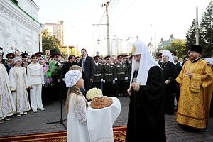 Патриарха встречают в Покровском соборе